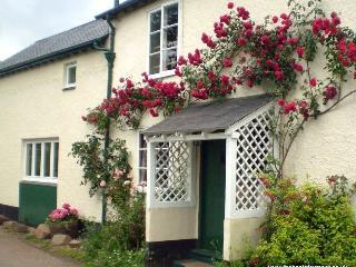 Forge Cottage, Wootton Courtenay - Cottage in quiet Exmoor village - Sleeps 2/3 - Wootton Courtenay vacation rentals