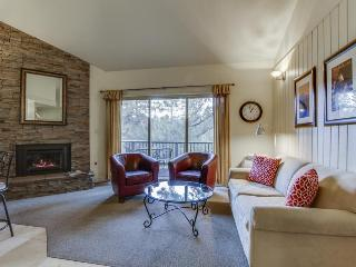 Convenient Mt. Bachelor condo w/ shared hot tub & swimming pool - Bend vacation rentals
