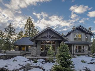 New luxury home with Caldera Springs and SHARC access! - Sunriver vacation rentals