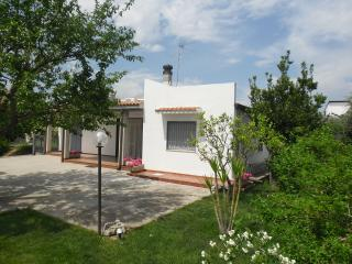 Nice Villa with A/C and Washing Machine - Marconia vacation rentals