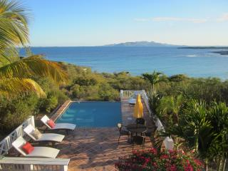 Beautiful Villa with Deck and Satellite Or Cable TV - Shoal Bay Village vacation rentals