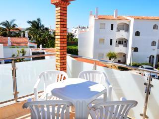 Apartment OuraPereira Beach in Albufeira Center - Albufeira vacation rentals