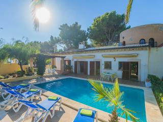 Spacious 4 bedroom Villa in Font de Sa Cala - Font de Sa Cala vacation rentals
