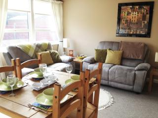 Sunny 2 bedroom Bungalow in Sutton-on-Sea - Sutton-on-Sea vacation rentals