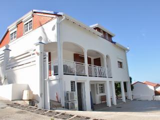Location tout confort en Basse terre - Vieux-Habitants vacation rentals