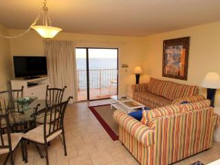 Perfect location for Spring Break- 21 and under welcome! 9th Floor 1 Bedroom, 1.5 Bath and FREE BEACH CHAIR SERVICE!. Sleeps 6 Guests Spring Breakers Welcome! - Thomas Drive vacation rentals