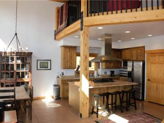3 bedroom House with Fireplace in Moab - Moab vacation rentals