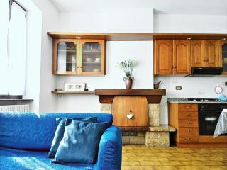 Cozy 3 bedroom San Siro House with Satellite Or Cable TV - San Siro vacation rentals