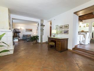 SAN CLEMENTE FLORENCE HOUSE - Fiesole vacation rentals