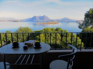 Nice Condo with Balcony and Water Views - Baveno vacation rentals