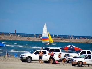 Beach Front A: Minute to Beach, Heat-Pool, Jacuzzi, Sauna, Gym, Wifi ~ RA55702 - Chapman Ranch vacation rentals