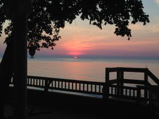 Lake Erie Executive Rental Salt-Free Beach Cottage - Monroe vacation rentals