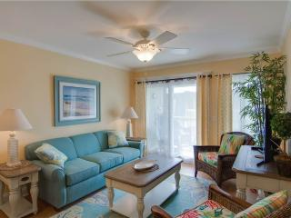 Cozy 2 bedroom Isle of Palms Villa with Deck - Isle of Palms vacation rentals