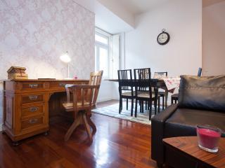 LxRoller Chiado Trindade Delux - Lisbon vacation rentals