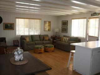 Refreshing Stay - 1 Bedroom 1 Bathroom Apartment in Carpinteria - Beach Front Located - Carpinteria vacation rentals