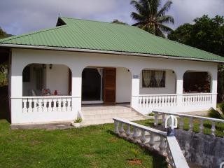 PRASLIN BAIE STE ANNE ampia casa vacanz vista mare - Baie Ste Anne vacation rentals