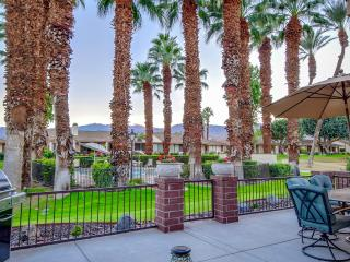 Luxurious, romantic, immaculate condo in Paradise - Palm Desert vacation rentals