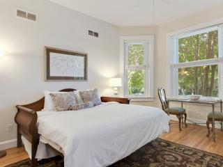 Warm and Welcoming Studio Apartment in Dupont - Washington DC vacation rentals