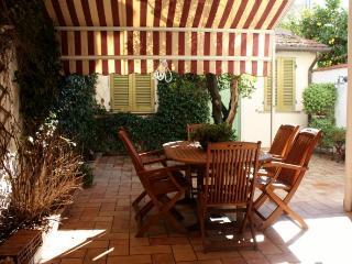 Confortevole appartamento con giardino privato - Viareggio vacation rentals