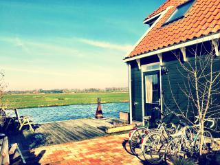 NEAR AMSTERDAM: Private room with canalview - Broek in Waterland vacation rentals