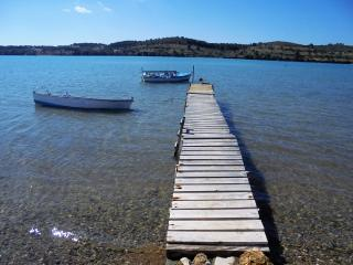 Cozy Port Heli Studio rental with Internet Access - Port Heli vacation rentals
