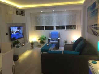 Smart city centre apartment close to Abastos. - Valencia vacation rentals