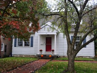 Classic Cape Cod Near Downtown, UK, Hospitals - Lexington vacation rentals