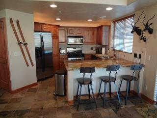 Redstone Condo - 2 Bed, Sleeps 6, Great Value - Park City vacation rentals
