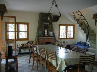 Villa familiale à 200m de la mer, 10 personnes - Cavalaire-Sur-Mer vacation rentals