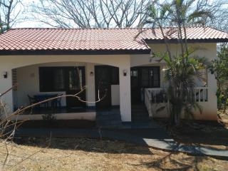 Les cabinas de véronique : appartement 2 chambres - Playa Junquillal vacation rentals