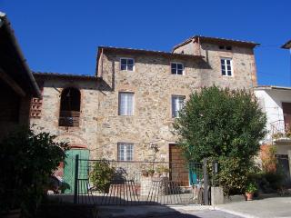 4 bedroom House with Parking Space in San Ginese - San Ginese vacation rentals