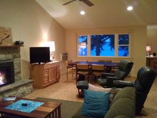 Gorgeous 3 bedroom Penn Yan House with Deck - Penn Yan vacation rentals