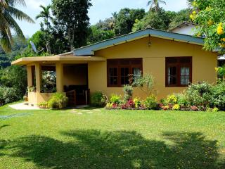 Hill Cottage, Kandy -Happy home stay - Kandy vacation rentals