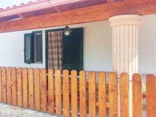 VILLINI RAFFAELA DISANTI VIESTE - Villino n°2 - Vieste vacation rentals