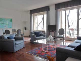 3 bedroom Apartment with Deck in Milan - Milan vacation rentals