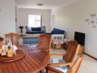 Nice 2 bedroom House in De Kelders - De Kelders vacation rentals