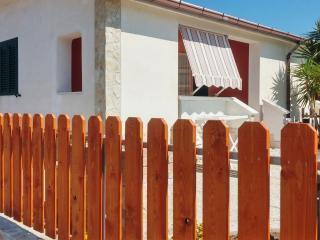 VILLINI RAFFAELA DISANTI VIESTE - Villino n°7 - Vieste vacation rentals