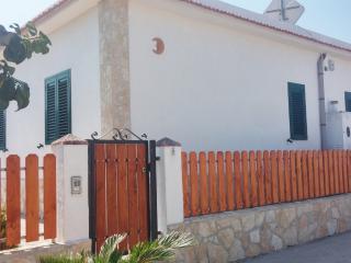 VILLINI RAFFAELA DISANTI VIESTE - Villino n°8 - Vieste vacation rentals