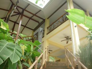 Perfect Cave house with Internet Access and A/C - Quepos vacation rentals