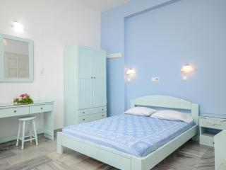 3 bedroom Private room with Television in Agia Anna - Agia Anna vacation rentals
