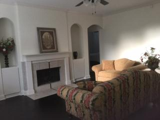2 BR 2BA Condo Galleria Central Houston - Houston vacation rentals