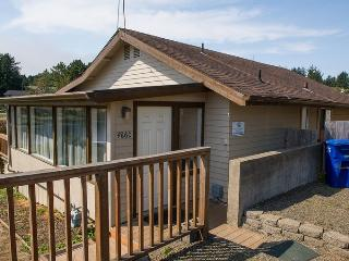 Lovely House with Deck and Dishwasher - Neotsu vacation rentals