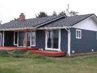 Perfect House with Dishwasher and Stove - Waldport vacation rentals