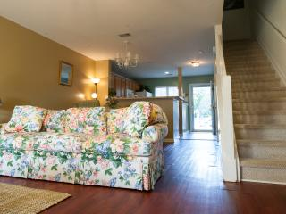 Quiet, Cozy Townhome- New Mattresses and TV - Charleston vacation rentals
