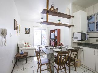 FL005 Jurere Apt w Balcony + Rooftop Pool - Florianopolis vacation rentals