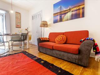 Charming House with Internet Access and Satellite Or Cable TV - Lisbon vacation rentals