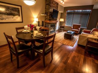 Canmore Stoneridge Mountain Resort Beautiful 1 Bed Condo - Canmore vacation rentals