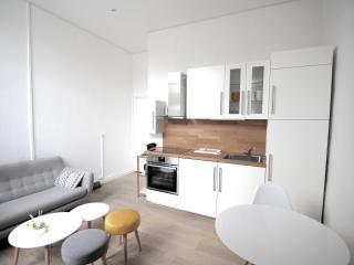Schindler Rentals - Wallflower - Lille vacation rentals