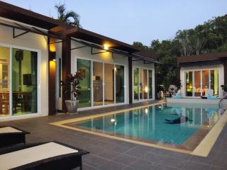 RESDENCE HARMONIE 3    2 bedroom apart pool - Rawai vacation rentals
