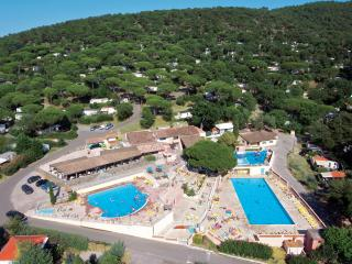 St TROPEZ ParcResort 4* MobilHome 6 pers +VTT - Gassin vacation rentals